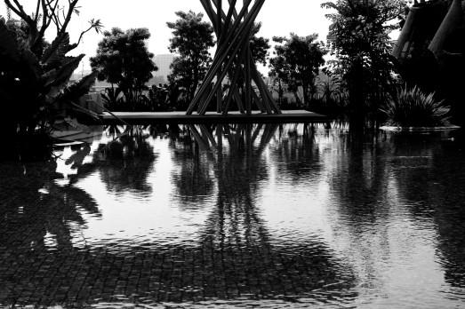 poolside-hiltonbdg